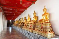 Het beeld van de groep van het standbeeld van Boedha in Wat Pho Bangkok Stock Afbeelding