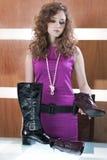 Het beeld van de manier met mooie meisje en schoenen Royalty-vrije Stock Foto's