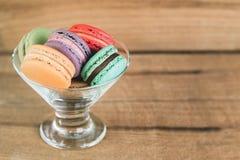 Het Beeld van de stapelnadruk van Kleurrijke Franse Macarons Royalty-vrije Stock Afbeelding