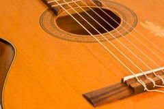 Het beeld van een klassieke gitaarclose-up Stock Fotografie