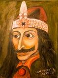 Het beeld van Prins Vlad Impaler in oude stad van sighisoara, Roemenië royalty-vrije stock fotografie