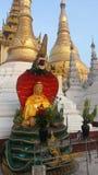Het beeld van Zittingsboedha met naga royalty-vrije stock afbeelding
