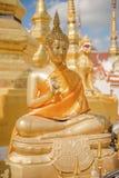 Het beeldhouwwerk van Boedha in de tempel van Thailand Stock Afbeeldingen