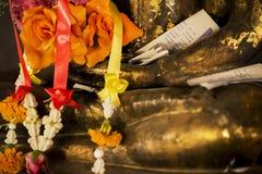 Het beeldhouwwerk van Boedha in de tempel van Thailand Stock Foto's