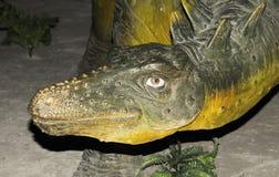 Het beeldhouwwerk van de dinosaurus stock fotografie