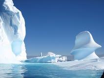 Het beeldhouwwerk van de ijsberg Stock Afbeeldingen