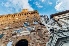 Het beeldhouwwerk van hercules en Cacus-voor het stadhuis van Florence Stock Afbeelding