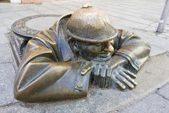 Het beeldhouwwerk van het brons in Bratislava Stock Foto