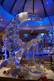 Het Beeldhouwwerk van het ijs van een Draak Royalty-vrije Stock Afbeeldingen