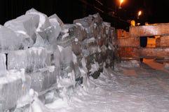 Het Beeldhouwwerk van het ijs van een Draak Stock Foto