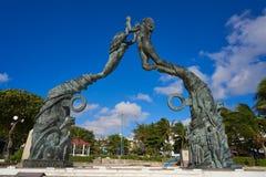 Het beeldhouwwerk van Playa del Carmen Portal Maya stock foto