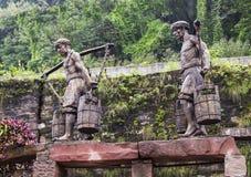 Het beeldhouwwerk van portiers in Oude stad van Ma zong Xi, het chongqing stock foto's