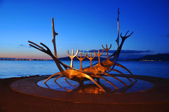 Het Beeldhouwwerk van Suncraft van Solfar, Reykjavik, Icel Royalty-vrije Stock Afbeelding
