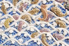 Het beeldhouwwerk van vissen op de muur. Royalty-vrije Stock Foto