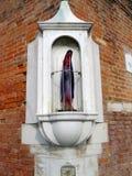 Het beeldje van de Madonna van het glas Stock Foto's