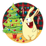Het beeldverhaalkonijntje verfraait Kerstboom Stock Afbeeldingen