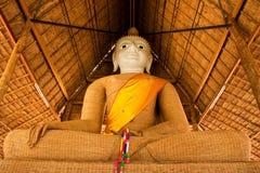 Het beeldweefsel van Boedha van het principe met bamboe Stock Foto's