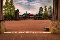 Het begin van de Noordpoolcirkel in Rovaniemi, Finland Stock Foto's