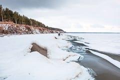 Het begin van de winter, het bevriezen van Ob van Novosibirsk r Stock Foto
