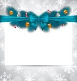 Het begroeten van elegante uitnodiging met Kerstmisdecoratie Royalty-vrije Stock Afbeelding