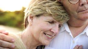 Het bejaarde Hogere Concept van de Paar Romaanse Liefde Stock Afbeeldingen