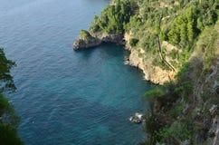 Het bekijken neer het Middellandse-Zeegebied van de Amalfi Kust royalty-vrije stock fotografie