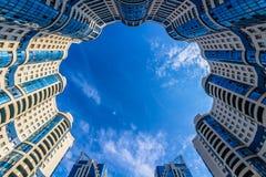 Het bekijken omhoog ronde woningbouw Royalty-vrije Stock Afbeelding