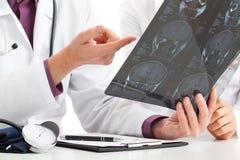 Het bekijken röntgenstraal Stock Foto's
