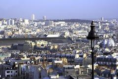 Het bekijken van Parijs van Montmartre Stock Afbeelding
