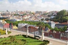 Het bekijken van San Pedro De Alcantara punt, Lissabon, Portugal Royalty-vrije Stock Foto's