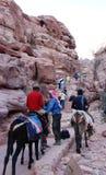 Het beklimmen aan Petra berg. Stock Afbeelding