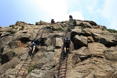 Het beklimmen in Drakensberge stock foto