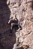 Het beklimmen op de rand van schaduw Royalty-vrije Stock Foto