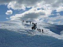 Het beklimmen van de gletsjer van peritoMoreno royalty-vrije stock fotografie