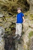 Het beklimmen van jongen Stock Foto's