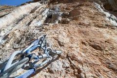 Het beklimmen van materiaal op de bovenkant van de muren die valle overzien Royalty-vrije Stock Afbeeldingen