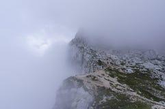 Het beklimmen van MT Mangart royalty-vrije stock afbeelding
