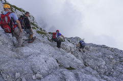 Het beklimmen van MT Mangart royalty-vrije stock fotografie