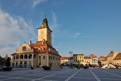 Het belangrijkste vierkant van de middeleeuwse stad van Brasov, Roemenië Stock Afbeeldingen