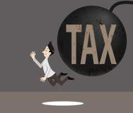 Het belastingsteken verplettert de man Royalty-vrije Stock Foto
