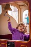 Het bellen van een treinklok Stock Afbeeldingen