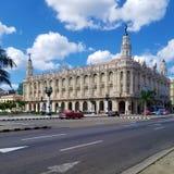 Het benieuwd zijn op de straten van Havana royalty-vrije stock afbeelding