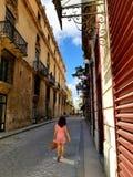 Het benieuwd zijn op de straten van Havana stock afbeelding