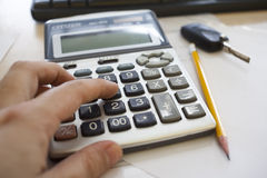 Het berekenen van de belastingen Stock Foto's