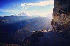 Het berijden in Himalayagebergte stock foto