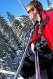 Het berijden van de Skilift Stock Afbeeldingen