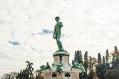 Het beroemde beeldhouwwerk van David in Florence stock foto