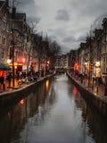 Het beroemde district van het straatrode licht in Amsterdam. Nederland Stock Foto's