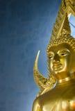 Het beroemde Gouden standbeeld van Boedha in Wat Benchamabophit in Bangkok Stock Afbeelding