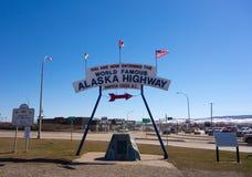 Het beroemde teken bij dawsonkreek, Canada royalty-vrije stock foto's